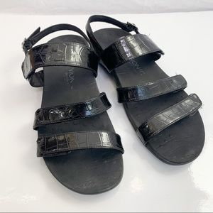VIONIC / Teagan Black Patent Leather Sandals - 11